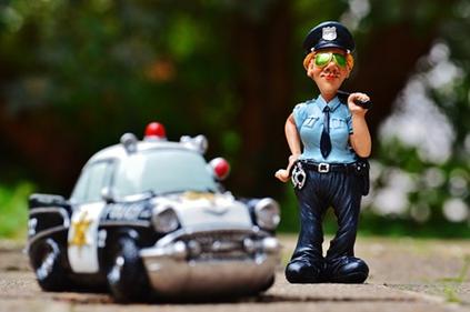 Những điều cần lưu ý khi bị cảnh sát giao thông dừng xe